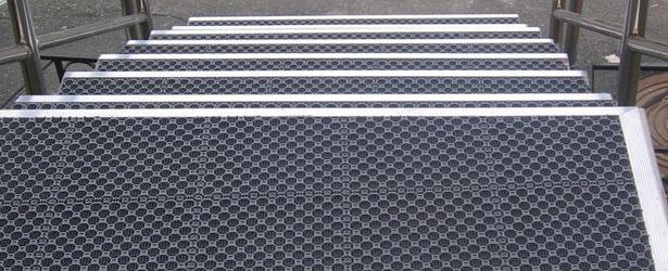Противогололедные покрытия для крыльца - компания Кросо