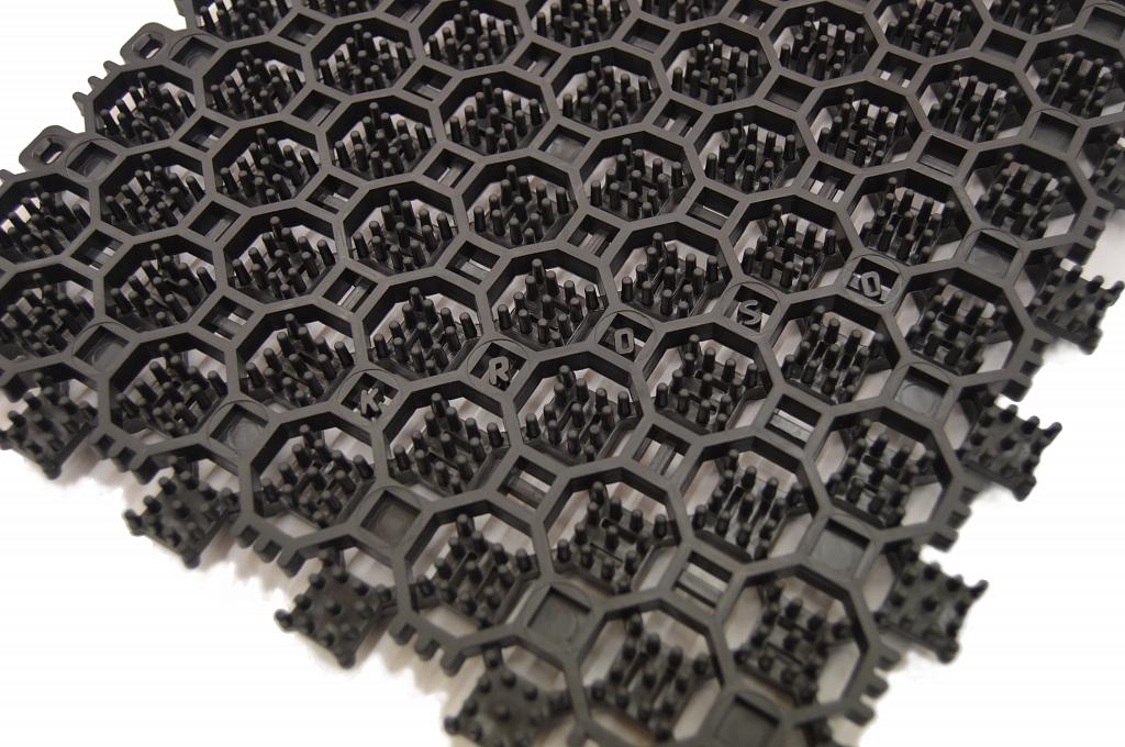 Купить со скидкой грязезащитные модульные покрытие «КАСТ Антикаблук» в компании КРОСО!